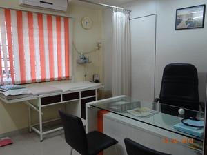 Examination room|Dr Nakul Shah|Karve Road ,Pune