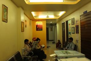 Waiting Area|Dr Nakul Shah|Karve Road ,Pune